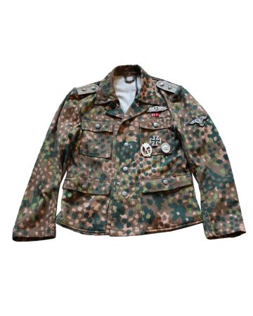 GERMAN WW2 SS M-44 DOT PATTERN CAMOUFLAGE TUNIC WITH INSIGNIA