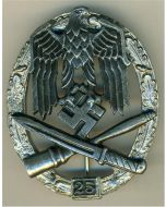 GENERAL ASSAULT BADGE 25 ACTIONS - GOLD & SILVER