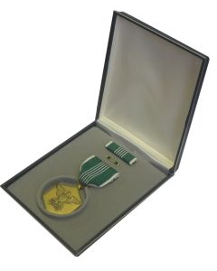 AMERICAN ARMY COMMENDATION MEDAL DECORATION SET