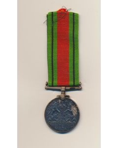 CANADIAN COMMONWEALTH 1939-45 DEFENCE MEDAL