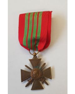 FRANCE WW2 WAR CROSS CROIX DE GUERRE 1939-1940 WITH BRONZE STAR