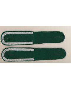 GERMAN UNTEROFFIZIER BOTTLE GREEN SHOULDER BOARDS (GRENADIER )