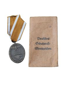GERMAN DEFENSE WEST WALL MEDAL IN ITS ORIGINAL PACKET OF ISSUE