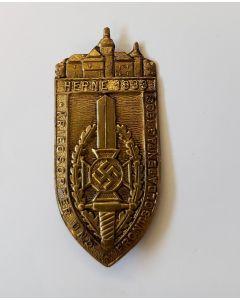 NSKOV 1933 HERNE MEETING ( DAY BADGE WAR VICTIMS WELFARE ORGANISATION) TINNIE
