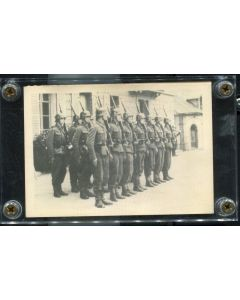 SS GERMAN WW2 PHOTO WITH SOLDIERS STANDING AT ATTENTION WITH K98 RIFFLES