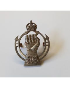 ROYAL CANADIAN ARMOURED CORPS CAP BADGE WWII R.C.A.C. TINNIE