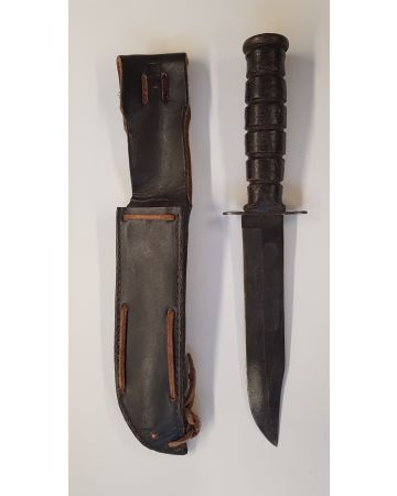 U.S. WWII USMC KA-BAR FIGHTING KNIFE BY CAMILLUS N.Y. WITH LEATHER SCABBARD