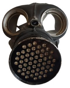 ORIGINAL WORLD WAR 2 BRITISH CIVILIAN DUTY (BCD) GAS MASK