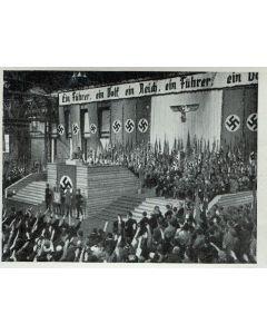 DER FUHRER LPRICHT IN GRAZ APRIL 1938
