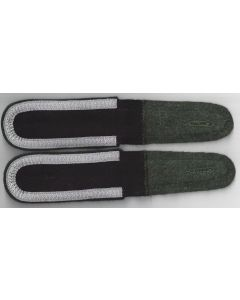 GERMAN WAFFEN-SS UNTERSCHARFUHRER SHOULDER BOARD- DARK GREEN