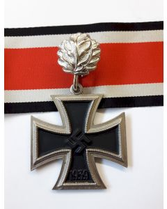GERMAN ANTIQUE KNIGHTS CROSS TO THE IRON CROSS WITH OAK LEAVES