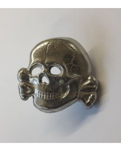 GERMAN SS HAT SKULL CLUTCH BACK