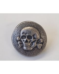 GERMAN SS M43 CAP BUTTON WITH SKULL