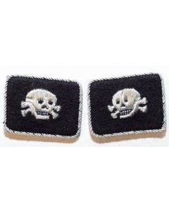 GERMAN SS TOTENKOPF OFFICERS COLLAR TABS (HORIZONTAL DOUBLE PATTERN)