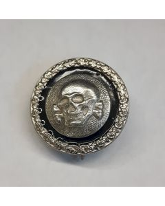 GERMAN SS TOTENKOPF ROUND BADGE