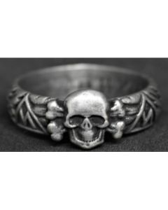 GERMAN LARGE SKULL RING WEST WALL