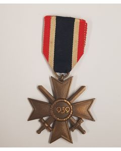 GERMAN WW2 WAR MERIT CROSS 2ND CLASS WITH SWORDS