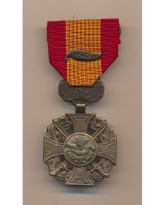 REPUBLIC OF VIETNAM GALLANTRY CROSS WITH PALM