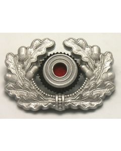 GERMAN HEER CAP WREATH AND COCKADE IN SILVER WWII