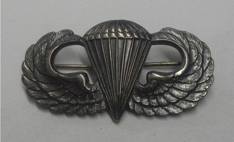 American WW2 parachutist badge jump wings